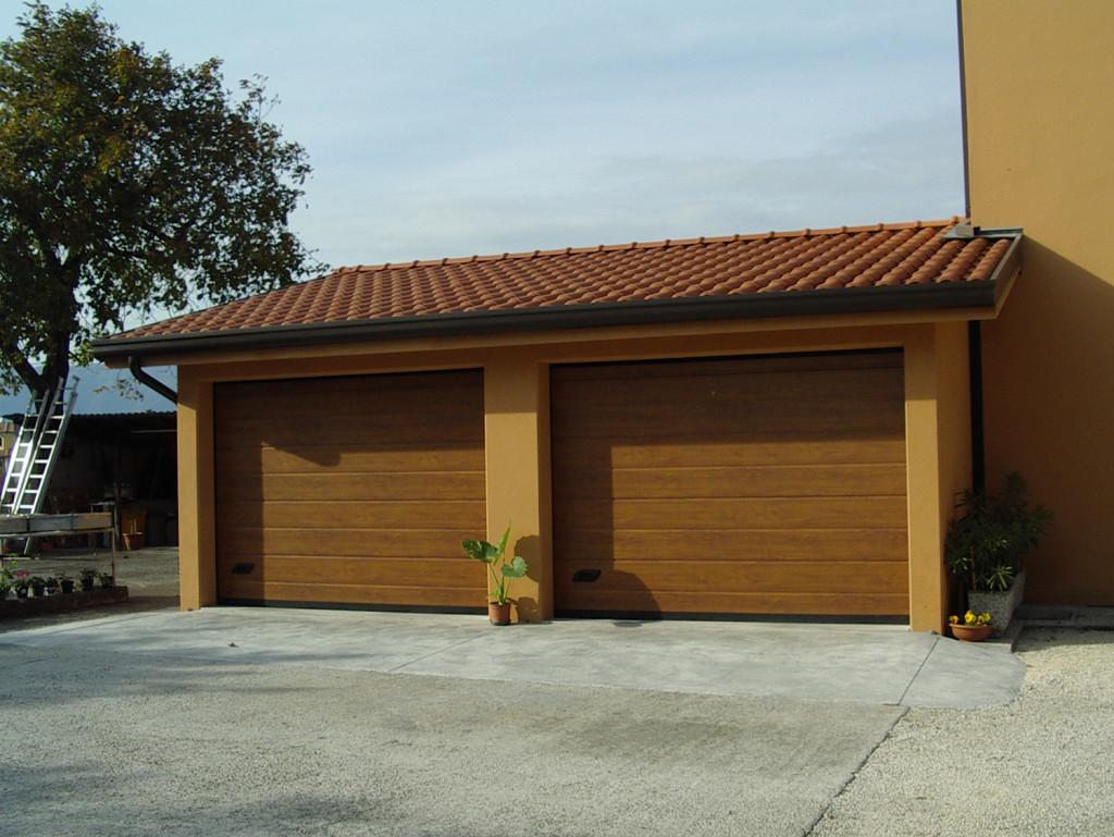 Garage prefabbricati prezzi decorare la tua casa for Garage significato