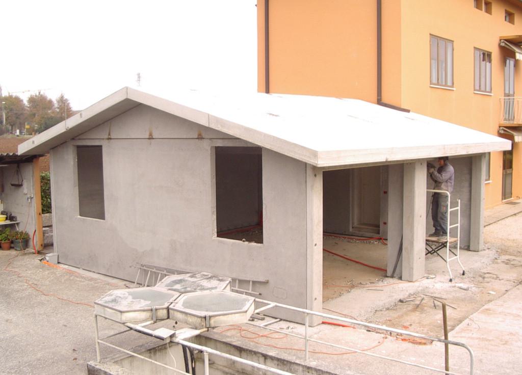 I garage niubab strutture modulari funzionali for Garage prefabbricati con alloggi